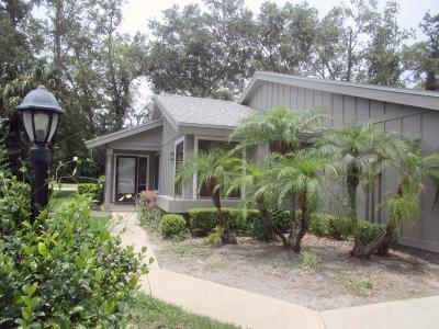 Spruce Creek, Spruce Creek Estates, Spruce Creek Farms, Spruce Creek Fly In, Spruce Creek Village Condo/Townhouse For Sale: 1915 Goldenrod Way #30