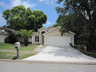 Volusia County Single Family Home For Sale: 8 Lake Walden Trail