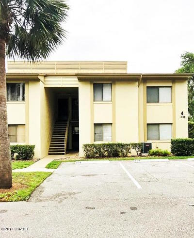 Palm Harbor Condo/Townhouse For Sale: 308 Palm Coast Parkway #204
