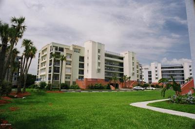 New Smyrna Beach Condo/Townhouse For Sale: 5300 S Atlantic Avenue #6-303
