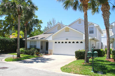 Spruce Creek Fly In Condo/Townhouse For Sale: 1824 Eagle Crest Drive