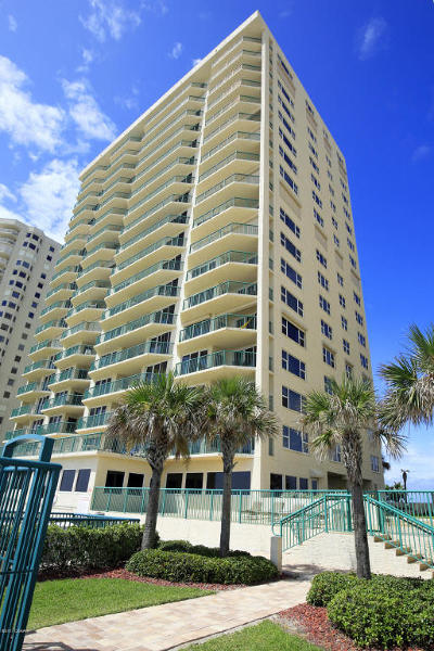 Daytona Beach Condo/Townhouse For Sale: 3315 S Atlantic Avenue #1505