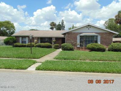 Daytona Beach Single Family Home For Sale: 104 Powderhorn Court