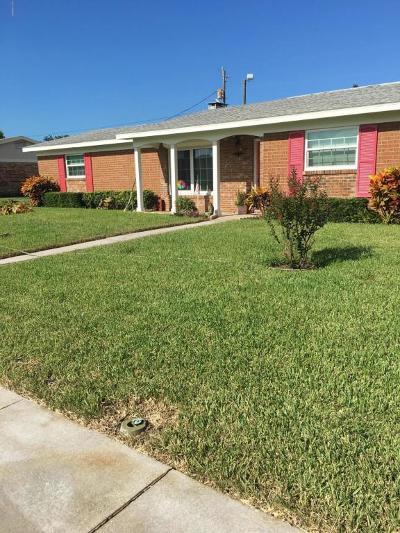 Daytona Beach Single Family Home For Sale: 883 E Coquina Drive