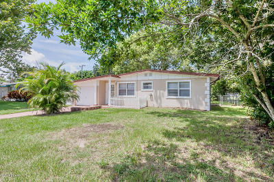 Volusia County Single Family Home For Sale: 708 Largo Way