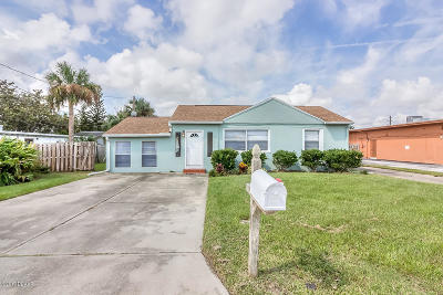 Volusia County Multi Family Home For Sale: 66 Lucky Drive
