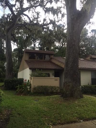 Volusia County Attached For Sale: 1235 Charter Oaks Circle