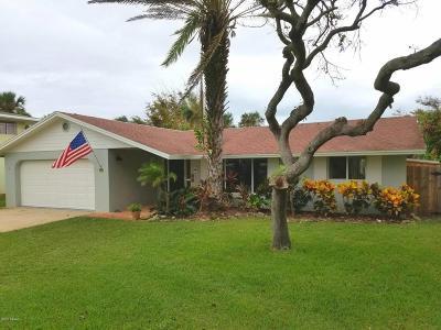 New Smyrna Beach Single Family Home For Sale: 1421 Beacon Street