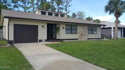 Volusia County Single Family Home For Sale: 580 Dorset Circle
