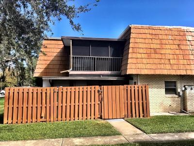 Volusia County Attached For Sale: 100 Moonstone Court