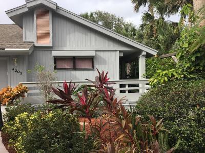 New Smyrna Beach Single Family Home For Sale: 4203 Sea Mist Drive