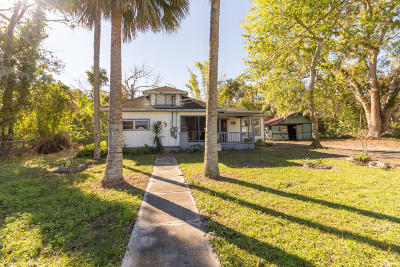 New Smyrna Beach Single Family Home For Sale: 1504 Pioneer Trail