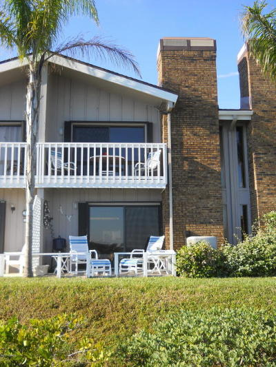 Volusia County Attached For Sale: 158 Breezeway Court