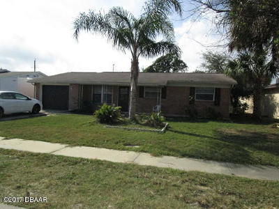 Daytona Beach Single Family Home For Sale: 1368 Beacon Drive