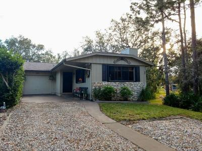 Volusia County Attached For Sale: 122 Magnolia Loop