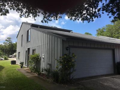 Volusia County Attached For Sale: 116 Cedarwood Village Circle