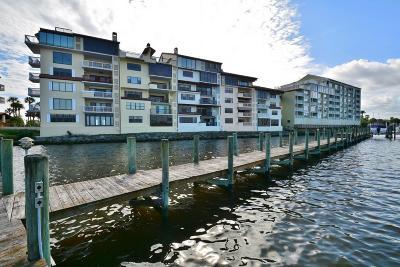 Daytona Beach Condo/Townhouse For Sale: 723 Marina Point Drive #7230