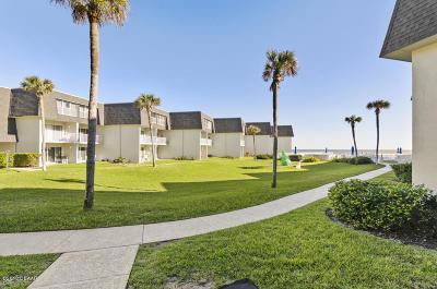 New Smyrna Beach Condo/Townhouse For Sale: 4831 Saxon Drive #1080
