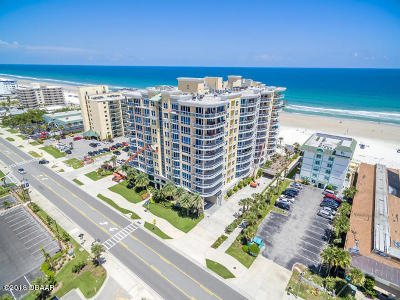 Daytona Beach Shores Condo/Townhouse For Sale: 3703 S Atlantic Avenue #504