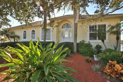 Ormond Beach Single Family Home For Sale: 2384 John Anderson Drive