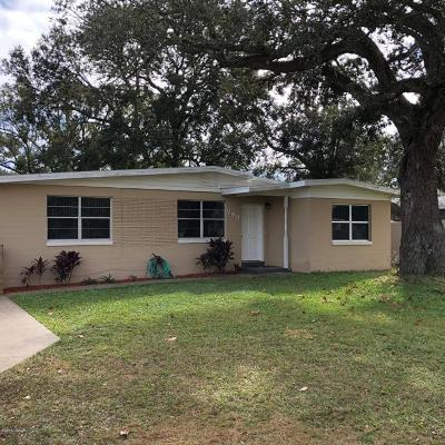 South Daytona Single Family Home For Sale: 709 Largo Way