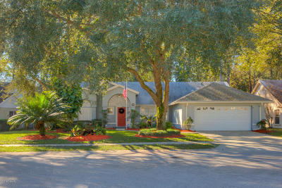 Deland Single Family Home For Sale: 1404 Whispering Woods Way
