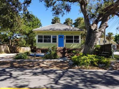 New Smyrna Beach Single Family Home For Sale: 105 N Peninsula Avenue