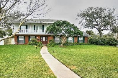 Ormond Beach Single Family Home For Sale: 990 N Halifax Drive