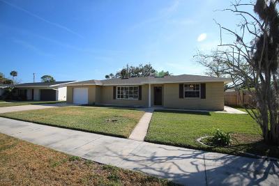 South Daytona Single Family Home For Sale: 753 Baywood Lane