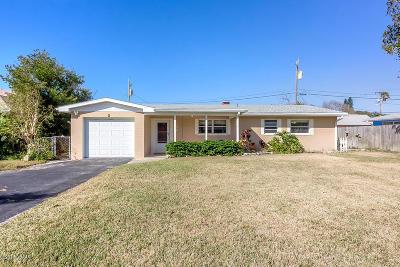 Daytona Beach Single Family Home For Sale: 2 Granville Circle