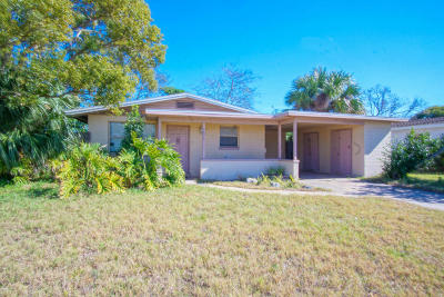 South Daytona Single Family Home For Sale: 1671 Golfview Boulevard