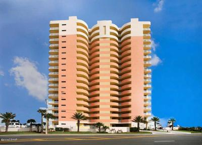 Daytona Beach Condo/Townhouse For Sale: 1900 N Atlantic Avenue #504