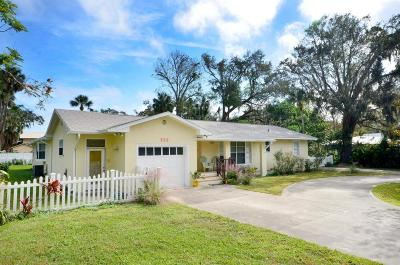 New Smyrna Beach Single Family Home For Sale: 525 Faulkner Street