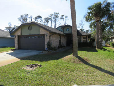 Port Orange Single Family Home For Sale: 915 Smokerise Boulevard