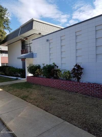 South Daytona Condo/Townhouse For Sale: 303 Ridge Boulevard #207