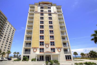Daytona Beach Condo/Townhouse For Sale: 2071 S Atlantic Avenue #1004