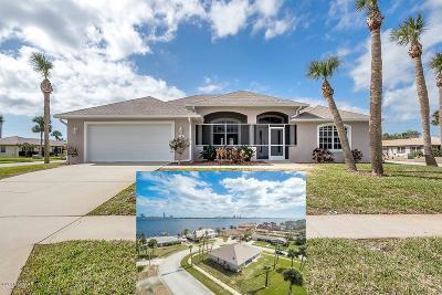 South Daytona Single Family Home For Sale: 147 Tradewinds Circle