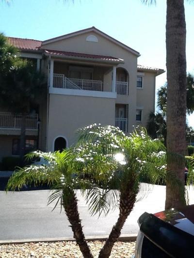 New Smyrna Beach Condo/Townhouse For Sale: 443 Bouchelle Drive #305
