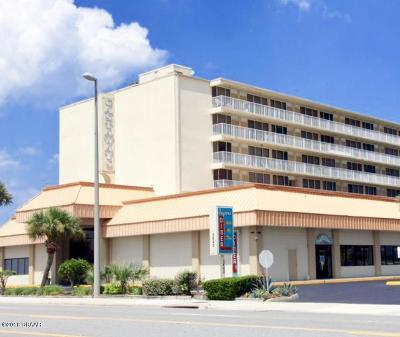 Daytona Beach Shores Condo/Townhouse For Sale: 2043 S Atlantic Avenue #115