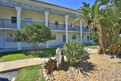 New Smyrna Beach Condo/Townhouse For Sale: 2100 N Peninsula Avenue #2130