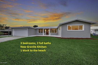 Ormond Beach Single Family Home For Sale: 45 Loyola Drive