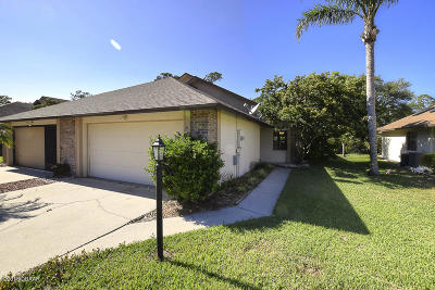 Volusia County Attached For Sale: 6113 Sequoia Drive
