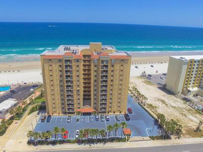 Daytona Beach Condo/Townhouse For Sale: 3145 S Atlantic Avenue #105