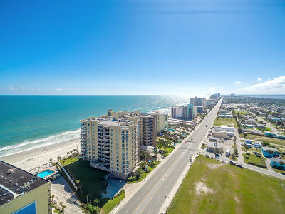 Daytona Beach Condo/Townhouse For Sale: 1925 S Atlantic Avenue #404