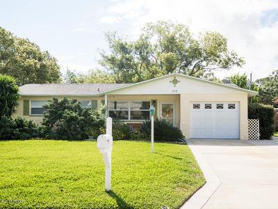 South Daytona Single Family Home For Sale: 515 Myrtle Place