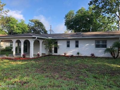 South Daytona Single Family Home For Sale: 560 Cambridge Circle