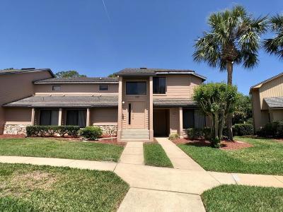 Daytona Beach Condo/Townhouse For Sale: 129 Blue Heron Drive #D