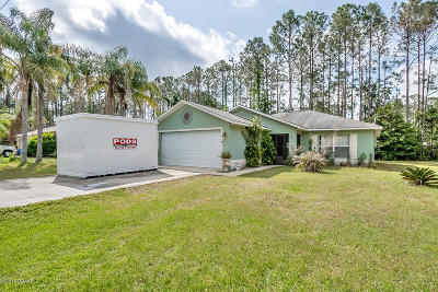 Palm Coast Single Family Home For Sale: 37 Red Clover Lane