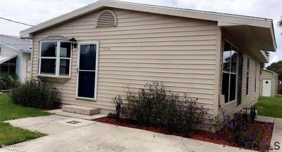 Flagler Beach Single Family Home For Sale: 1832 S Daytona Avenue