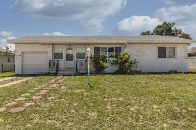 Daytona Beach Single Family Home For Sale: 110 Adele Avenue